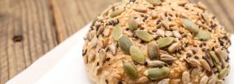 Pane ai semi con farina di grano tenero tipo 2