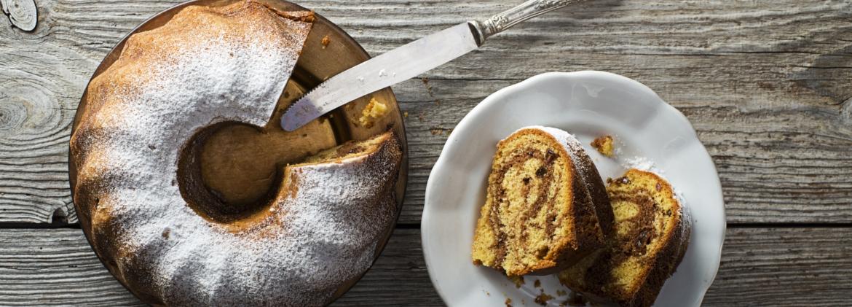 Swirl pound cake
