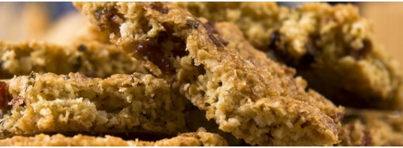 Khorasan wheat bars with jam