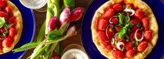 Pizza ricotta, fave e cipollotto