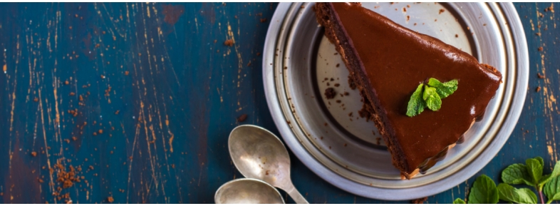 Cocoa cake with chocolate frosting