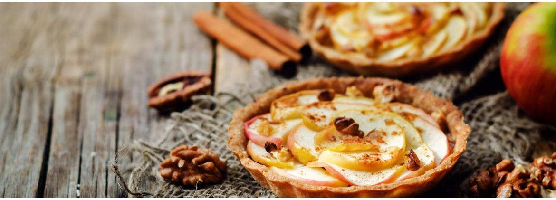 Crostatine semi integrali con mele, noci e cannella