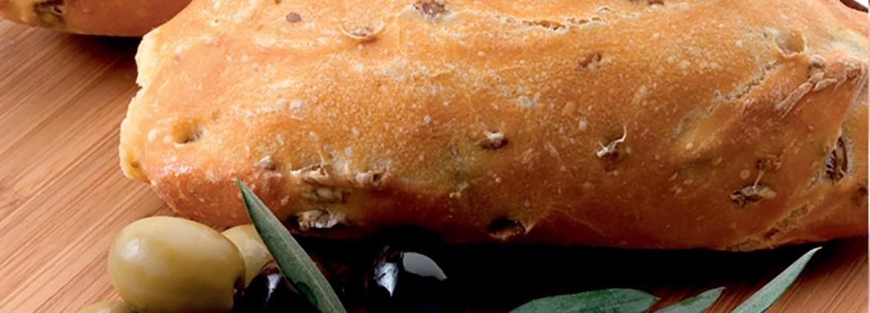 Pane di Kamut e olive verdi
