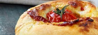 Apulian flat bread with flour W330