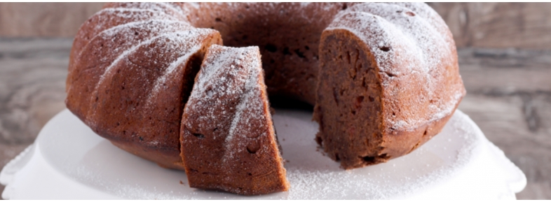 BUNDT CAKE WITH PINEAPPLE JUICE, CHOCOLATE AND COCONUT
